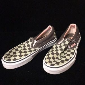 """Vans """"off the wall"""" checkered shoes Women's size 6"""